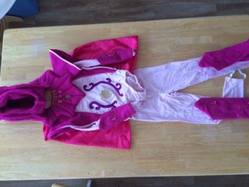 Gwen Costume